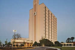 doubletree by hilton pet friendly hotels in virginia beach, dogs allowed hotels virginia beach